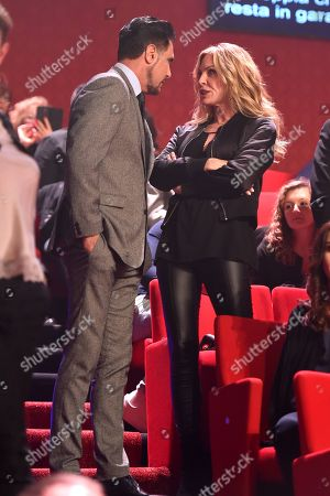 Don Diamont with his wife Cindy Ambuehl exchange effusions during an episode of Dancing with the Stars