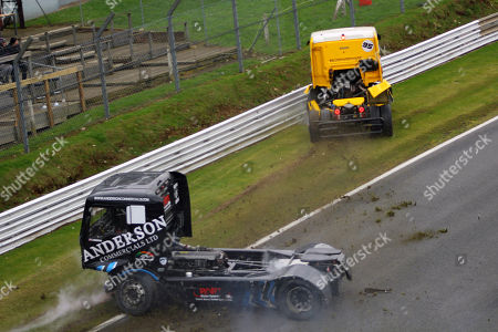 Jamie Anderson and Richard Collett 100 mph Truck Racing Crash at Brands Hatch. The drivers were not injured.