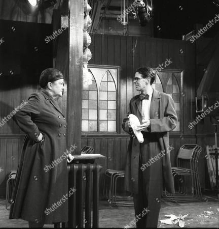 Violet Carson (as Ena Sharples) and Stephen Hancock (as Mr Spinks)