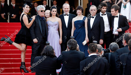 Rossy de Palma, Pedro Almodovar, Lluis Homar, Penelope Cruz, Blanca Portillo, Jose Luis Gomez, Tamar Novas, Ruben Ochandiano. From left, Spanish actress Rossy de Palma, Spanish director Pedro Almodovar, Spanish actors Penelope Cruz, Lluis Homar, Blanca Portillo, Jose Luis Gomez, Tamar Novas, and Ruben Ochandiano, arrive on the red carpet for the screening of the film 'Los Abrazos Rotos' (Broken Embraces), during the 62nd International film festival in Cannes, southern France