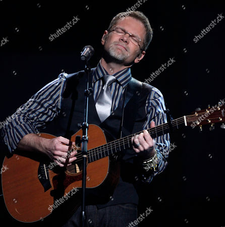 Steven Curtis Chapman performs at the Dove awards in Nashville, Tenn., . Chapman won the award for artist of the year. The Dove awards honor Christian and gospel music
