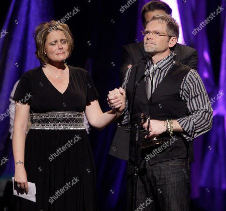 Steven Curtis Chapman, Mary Beth Chapman. Steven Curtis Chapman, right, accepts the award for artist of the year as he is joined by his wife, Mary Beth, at the Dove awards in Nashville, Tenn., . The couple's 5-year-old daughter, Maria Sue, was accidentally killed last May. The Dove awards honor Christian and gospel music