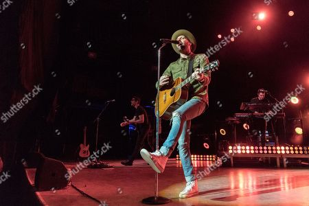 Stock Picture of Mat Kearney during the Crazytalk tour