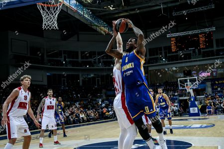 Thomas Robinson, #0 of Moscow Khimki goes up for a shot against an Armani Milan defender
