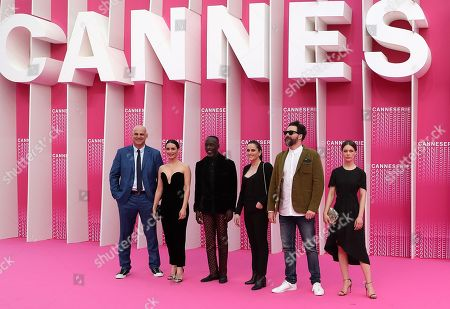 (L-R) Jury members of Cannes Series 2018, US writer Harlan Coben, Turkish actress Melisa Sozen, US actor Michael Kenneth Williams, French director Audrey Fouche, Canadian producer Juan Cristobal Tapia de Veer and German actress Paula Beer arrive for the screening of 'The Truth About the Harry Quebert Affair' during the 1st Cannes Series Festival in Cannes, 07 April 2018. The event will take place from 04 to 11 April.