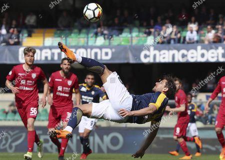 Verona's Alessio Cerci in action during the Italian Serie A soccer match Hellas Verona FC vs Cagliari Calcio at Bentegodi stadium in Verona, Italy, 08 April 2018.