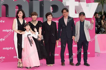 Kim Cheol-Gyu, Lee Bo-young, Heo Yool, Jeong Seo-Kyeong and Park Jee-Young from the series 'Mother'