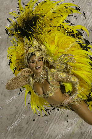 Percussion queen Juliana Paes dances during the parade of Unidos da Viradouro amba school at the sambadrome in Rio de Janeiro