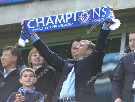 Roman Abramovic.  Chelsea's Russian Owner Roman Abramovic Celebrates His Team Winning The English Premiership Tournament With His Son Left At Chelsea's Stamford Bridge Ground In London Saturday May 7 2005.  .  Chelsea V Charlton Abramovic