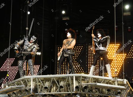 Kiss - Gene Simmons, Paul Simmons and Tommy Thayer