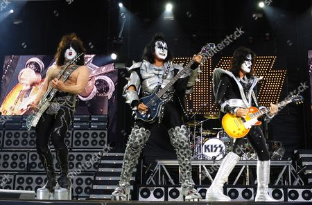 Kiss - Paul Simmons, Gene Simmons and Tommy Thayer