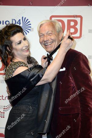 Sonja  Fusati (Gruenderin des Victress Awards) and Jo Groebel .