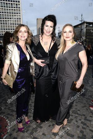 Tina Ruland, Sonja  Fusati (Gruenderin des Victress Awards) and Regina Halmich  .