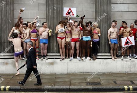 Pants man Philip Taylor (from 'The Apprentice') campaigns against the use of killer pesticide endosulfan