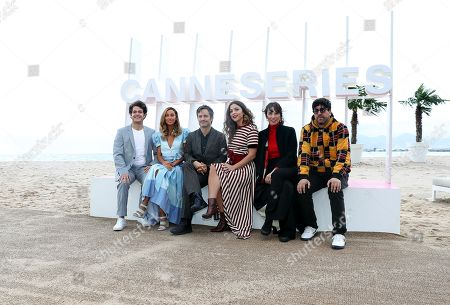 (L-R) Mexican actors Alfonso Dosal, Sofia Sisniega, Mexican director Gael Garcia Bernal, Colombian actress Paulina Davila, Spanish actress Ariadna Gil and director Kyzza Terrazas pose during the photocall for the TV series 'Aqui En La Tierra' at the 1st Cannes Series Festival in Cannes, 10 April 2018. The event will take place from 04 to 11 April.