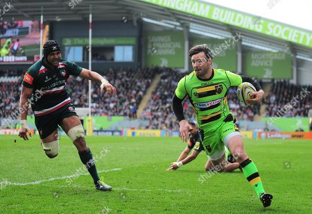 Ben Foden of Northampton Saints crosses the line to score a try
