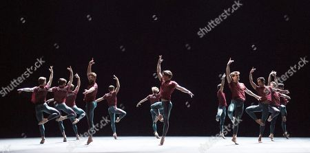 Pause choreographed by William Forsythe