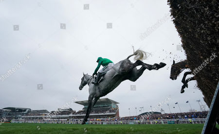 Bristol De Mai trained by Nigel Twiston-Davies and ridden by Daryl Jacob clears in the Betway Bowl Chase (Grade 1)