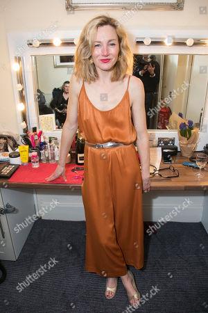 Nancy Carroll (Audrey Mildmay) backstage