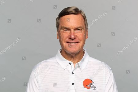 This is a 2017 photo of Al Saunders of the Cleveland Browns NFL football team. This image reflects the Cleveland Browns active roster as of Monday, June 12, 2017 when this image was taken. (AP Photo)