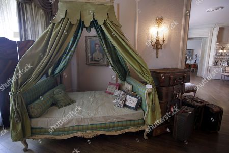 A day bed and luggage belonging to the late Hungarian-American actress Zsa Zsa Gabor are displayed at the 'Hello Dal-ling: The Estate of Zsa Zsa Gabor' auction by Heritage Auctions at the actress' residence in Bel Air, California, USA, 12 April 2018. The live auction will take place 14 April 2018.