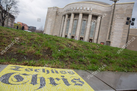 Controversial Volksbühne director Chris Dercon resigns