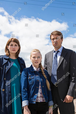 Jodie Whittaker as Beth Latimer, Charlotte Beaumont as Chloe Latimer and Andrew Buchan as Mark Latimer.