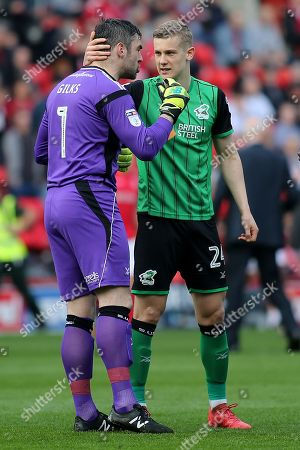 Scunthorpe United goalkeeper, Matt Gilks and Ryan Yates share a moment ahead of kick-off during Charlton Athletic vs Scunthorpe United, Sky Bet EFL League 1 Football at The Valley on 14th April 2018