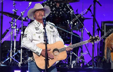 """Alan Jackson performs """"Chattahoochee"""" at the 53rd annual Academy of Country Music Awards at the MGM Grand Garden Arena, in Las Vegas"""