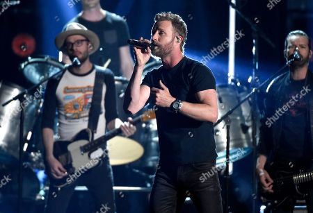 """Dierks Bentley performs """"Woman, Amen"""" at the 53rd annual Academy of Country Music Awards at the MGM Grand Garden Arena, in Las Vegas"""