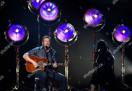 """Blake Shelton performs """"I Lived It"""" at the 53rd annual Academy of Country Music Awards at the MGM Grand Garden Arena, in Las Vegas"""