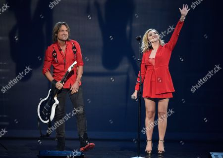 """Keith Urban, Julia Michaels. Keith Urban, left, and Julia Michaels perform """"Coming Home"""" at the 53rd annual Academy of Country Music Awards at the MGM Grand Garden Arena, in Las Vegas"""