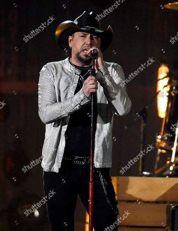 """Jason Aldean performs """"You Make It Easy"""" at the 53rd annual Academy of Country Music Awards at the MGM Grand Garden Arena, in Las Vegas"""