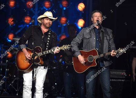 """Toby Keith,Blake Shelton. Toby Keith, left, and Blake Shelton perform """"Should've Been a Cowboy"""" at the 53rd annual Academy of Country Music Awards at the MGM Grand Garden Arena, in Las Vegas"""