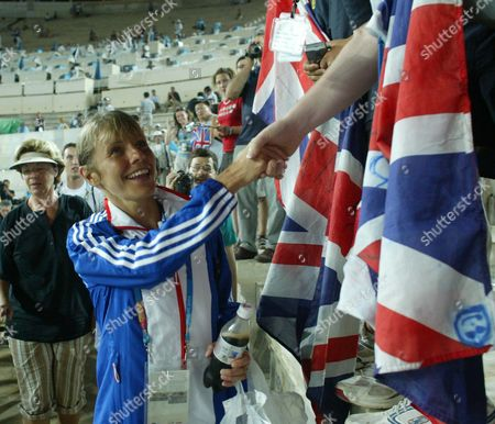 Tracey Morris Gb Runner After Finishing The Womans Marathon In 2004 Olympic Games In Athens