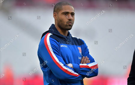 Glen Johnson of Stoke City on the pitch ahead of kick off