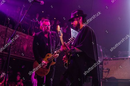 """Dave Navarro, Billy Duffy. Billy Duffy, left, and Dave Navarro perform at the """"Above Ground"""" Benefit Concert at Belasco Theater, in Los Angeles"""