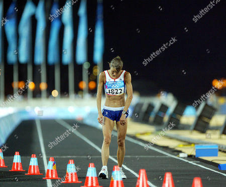 Tracey Morris Gb Runner After Finishing The Women's Marathon In 2004 Olympic Games In Athens