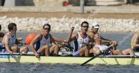 R-l Matthew Pinsent Ed Coode James Cracknell And Steve Williams. After Winning Mens Coxless Fours Gold Medal At 2004 Olympic Games In Athens