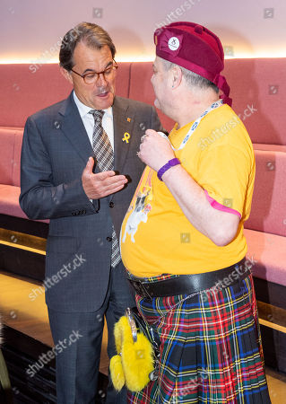 Former Catalan president Artur Mas i Gavarro and independence campaigner Steve Davies