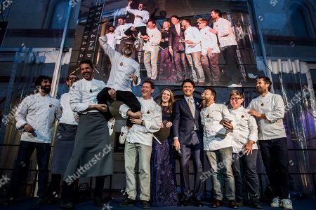 Stock Image of Chefs Carlo Cracco, Giancarlo Morelli, Viviana Varese, Cephalon Bulgurlu CEO di Arcelik, Grunding