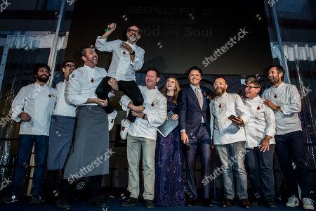 Chefs Carlo Cracco, Giancarlo Morelli, Viviana Varese, Cephalon Bulgurlu CEO di Arcelik, Grunding
