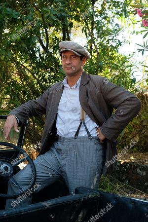Alexis Georgoulis as Spiro Hakaiopulos.