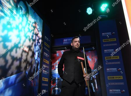 Matthew Stevens of Wales arrives for his first round match