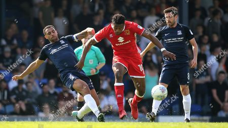 Anton Ferdinand of Southend United tackles MK Dons Chucks Aneke during Southend United vs MK Dons, Sky Bet EFL League 1 Football at Roots Hall on 21st April 2018