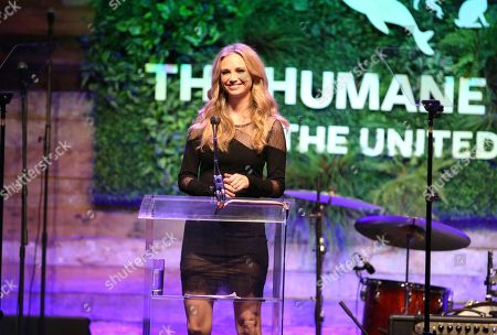 Fiona Gubelmann speaks at the Humane Society of the United States' To the Rescue! Los Angeles gala. The gala was held at Paramount Studios and benefitted the HSUS' Farm Animal Protection campaign. Competitive surfer Conrad Carr, undercover investigators Whitney Warrington and Mary Beth Sweetland, and law firm Latham & Watkins, LLP were honored at the event, which featured performances by Moby. (Photo by