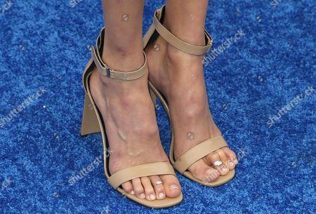 Isabel Lucas, shoe detail