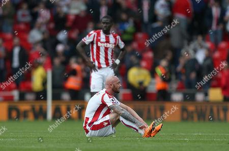 Stoke City's Stephen Ireland and Badou Ndiaye show dejection