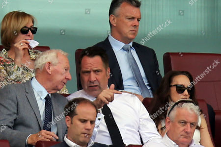 Former Arsenal goalkeepers Bob Wilson and David Seaman during Arsenal vs West Ham United, Premier League Football at the Emirates Stadium on 22nd April 2018