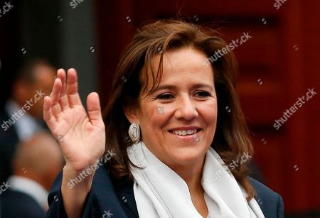 Former First Lady and independent presidential candidate Margarita Zavala, waves to the press before the first of three debates among Mexico's presidential candidates in Mexico City, . Mexico will hold general elections on July 1